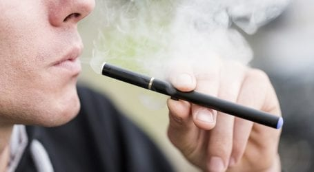 Η Ρωσία σκέφτεται να απαγορεύσει τα υγρά για τα ηλεκτρονικά τσιγάρα