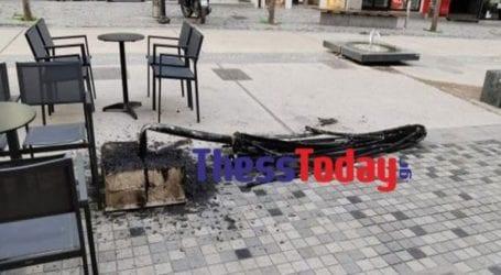 Επίθεση σε καφετέρια στη Θεσσαλονίκη με… «θύμα» μια ομπρέλα