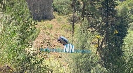 Αυτοκίνητο στη Ναύπακτο έπεσε στο κενό