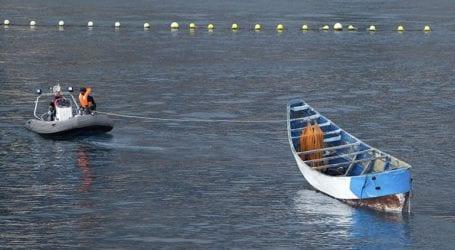 Τέσσερα πλοιάρια με εκατοντάδες μετανάστες έφτασαν στη Λαμπεντούζα