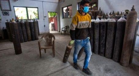 Εκατοντάδες χιλιάδες τα νέα κρούσματα στην Ινδία