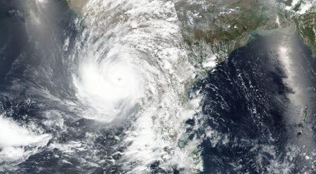 Η Γκουτζαράτ προετοιμάζεται για τον ισχυρό κυκλώνα