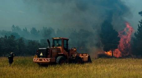 Σε ύφεση η πυρκαγιά σε Κορινθία και Δυτική Αττική