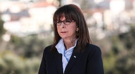 Στην επιμνημόσυνη δέηση για την Ημέρα Μνήμης της Γενοκτονίας των Ποντίων η Κατ. Σακελλαροπούλου