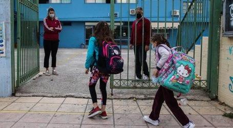 Πληθαίνουν τα κρούσματα στα σχολεία της Κρήτης