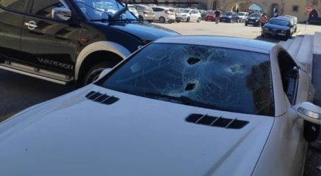 Αστυνομικός σε κατάσταση αμόκ έσπασε το αυτοκίνητο του αστυνομικού διευθυντή στη Ρόδο