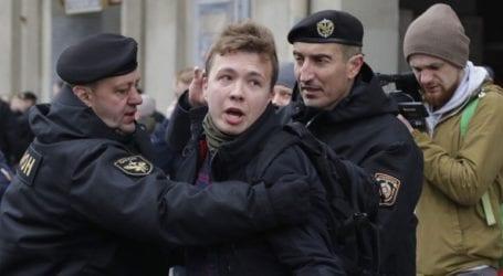 Άμεση απελευθέρωση του δημοσιογράφου που επέβαινε στην πτήση FR 4978 ζητά το Βίλνιους