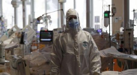 Η Ρωσία ανακοίνωσε 8.406 νέα κρούσματα Covid-19 και 319 θανάτους