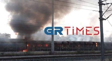 Πυρκαγιά σε βαγόνια στον σιδηροδρομικό σταθμό