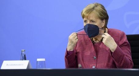 Το 50% και πλέον των Γερμανών δυσαρεστημένο με τη διαχείριση της πανδημίας