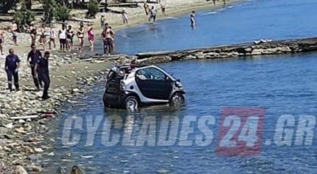 Προσπάθησε να αποφύγει τη σύλληψη και βούτηξε με το αμάξι του στη θάλασσα