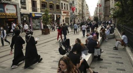 Ξεπέρασαν τα 7.600 τα κρούσματα το τελευταίο 24ωρο στην Τουρκία
