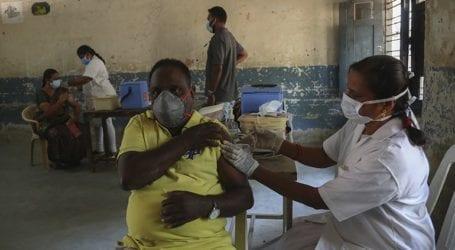 Η Ινδία θα έχει 120 εκατ. δόσεις εμβολίων διαθέσιμες για εγχώρια χρήση τον Ιούνιο