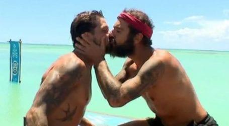 Survivor: Το φιλί στο στόμα που αντάλλαξαν Τριαντάφυλλος-Μπόγδανος και έγινε viral