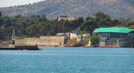 Βόλος: Πλοίο προσάραξε στα Πευκάκια