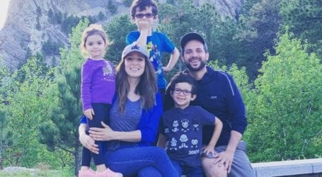 Η εξομολόγηση της Καλομοίρας: «Φοβόμουν, ο ένας γιος μου έχει άσθμα κι ο άλλος τη μυασθένεια Gravis»