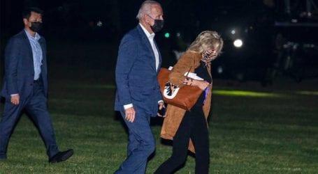 Jill Biden: Η νέα custom made Valentino τσάντα της κλέβει τις εντυπώσεις!