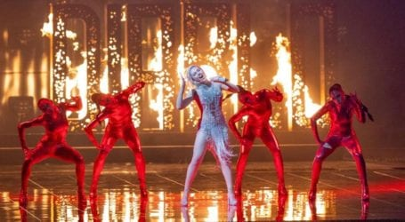 Eurovision – Ά Ημιτελικός: Η εντυπωσιακή εμφάνιση της Έλενας Τσαγκρινου που μάγεψε την Ευρώπη