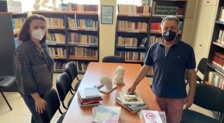 Δ.Φαρσάλων: Δωρεά βιβλίων από τη Δημοτική Πινακοθήκη Λάρισας – Μουσείο Ι.Γ.Κατσίγρα