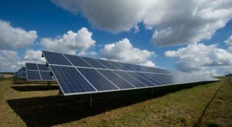 """Ποια εταιρία δρομολογεί 8 φωτοβολταϊκά πάρκα στη Θεσσαλία με αέρα """"στρατηγικής"""" επένδυσης"""