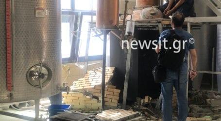Συγκλονιστικές εικόνες λίγο μετά την έκρηξη στο αποστακτήριο του Τυρνάβου (βίντεο+φωτό)