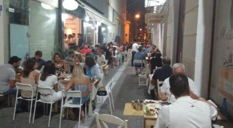 Βόλος: Ρεζερβέ εστιατόρια για τουλάχιστον μία εβδομάδα – Δεν ανέβασε ρολά το 50% των καταστημάτων