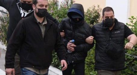 Προφυλακίστηκαν ο Μένιος Φουρθιώτης και δύο συγκατηγορούμενοί του