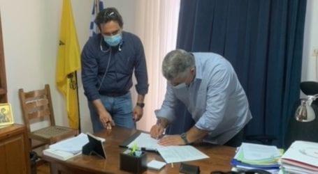 Υπογράφηκε η σύμβαση για το έργο αποκατάστασης αγωγών διανομής του Φράγματος «Παναγιώτικο»