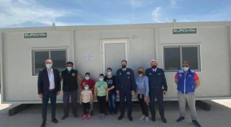 Οικίσκο σε σεισμόπληκτη οικογένεια από τους εργαζόμενους της Πολεμικής Αεροπορίας