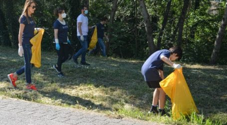 Εργαζόμενοι της Όλυμπος Παπαγιάννης και της Investa Real Estate καθάρισαν την κοίτη του Πηνειού (φωτο)