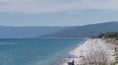 «Σιωπηλή» και χωρίς κόσμο η πρεμιέρα για τα beach bar στα παράλια του Ν.Λάρισας (βίντεο + φωτο)