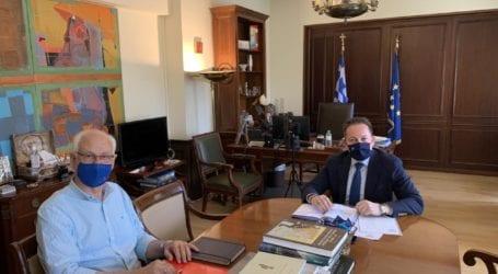 Δέσμευση Πέτσα σε Καλογιάννη για 4 εκ. ευρώ στα σεισμόπληκτα σχολεία της Λάρισας – Τι είπαν για την ένταξη έργων στο πρόγραμμα «Α. Τρίτσης»