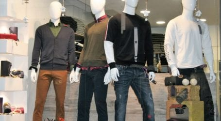 Λάρισα: Και έκλεψε ρούχα από το κατάστημά του και τον απείλησε ότι θα το κάνει λαμπόγυαλο