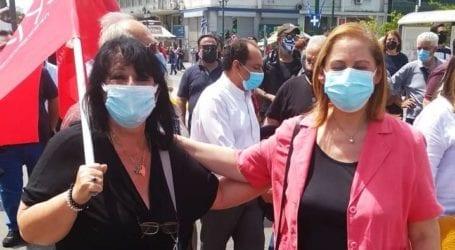 Η Άννα Βαγενά στη μεγαλειώδη πορεία για την εργατική Πρωτομαγιά στο κέντρο της Αθήνας