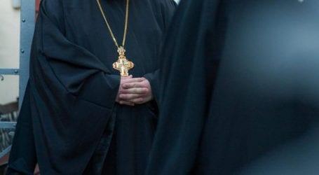 Βόλος: Νοσηλεύεται φρουρούμενος ο 88χρονος ιερέας που σκότωσε γάτα