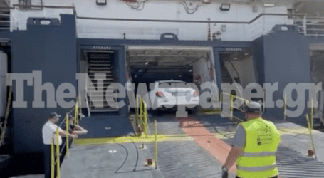 Η μητέρα της Κάρολαϊν φτάνει στο λιμάνι του Βόλου – Την πάει στη μικρή Λυδία ο δικηγόρος της [βίντεο]