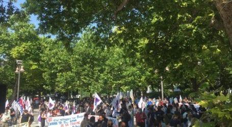 Ενωτική και με συμμετοχή η απεργιακή συγκέντρωση στη Λάρισα ενάντια στο νέο εργασιακό νομοσχέδιο (φωτό – βίντεο)