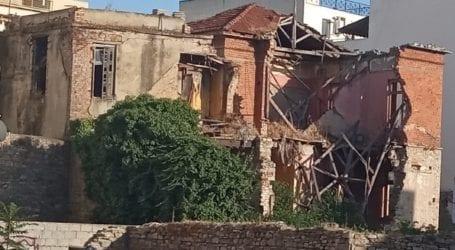Κατέρρευσε διατηρητέο κτίριο στον Βόλο – Βαρίδι για τους ιδιοκτήτες η αρχιτεκτονική μας κληρονομιά [εικόνες]