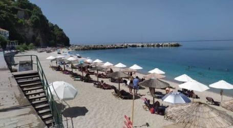 Μαγνησία: Δεν πέφτει… καρφίτσα στις παραλίες του Πηλίου – Ξορκίζουν τον μίνι καύσωνα οι Βολιώτες