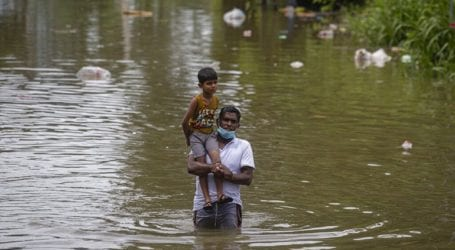 Τουλάχιστον 16 νεκροί και 270.000 εκτοπισμένοι από πλημμύρες και κατολισθήσεις
