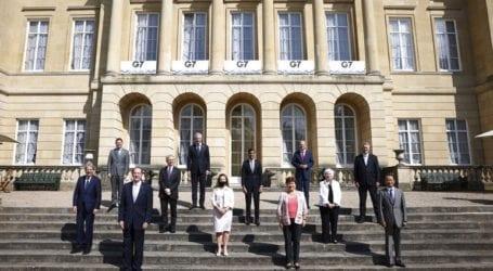 Εκατό πρώην ηγέτες καλούν τις G7 να πληρώσουν τα εμβόλια για όλες τις φτωχές χώρες