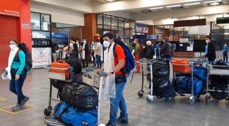Βρετανοί τουρίστες επιστρέφουν στη χώρα τους από την Πορτογαλία για να γλυτώσουν την καραντίνα
