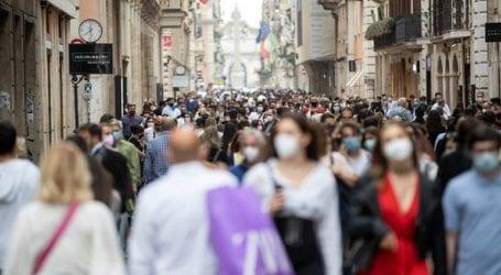 Η ανοσία του πληθυσμού απέχει πολύ από το να επιτευχθεί στην Ε.Ε.