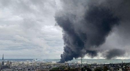 Πυρκαγιά σε χημικό εργοστάσιο προκάλεσε την εκκένωση της γύρω περιοχής