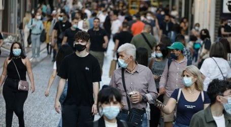 Καταργούνται οι μάσκες στους εξωτερικούς χώρους