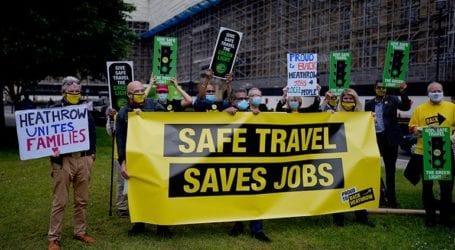 Η Βρετανία θέλει να επιτρέψει στους πολίτες να ταξιδεύουν και πάλι στο εξωτερικό