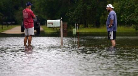 Η τροπική καταιγίδα Ντάνι έφτασε πάνω από το έδαφος στη Νότια Καρολίνα