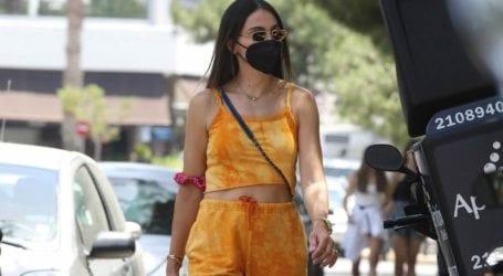 Tie dye: To print που δεν αποχωρίζεται στις all day εμφανίσεις της η Ολυμπία Χοψονίδου