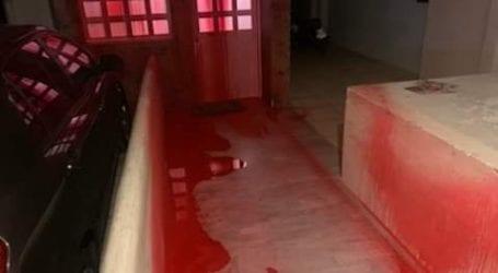 Παρέμβαση του Ρουβίκωνα με μπογιές στο σπίτι του συνδικαλιστή Σταύρου Μπαλάσκα