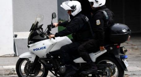 Λάρισα: Ο έλεγχος στο αυτοκίνητο βρήκε χασίς και έστειλε τους δύο επιβάτες του στο κρατητήριο